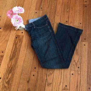 GAP medium wash bootcut jeans - Size 6